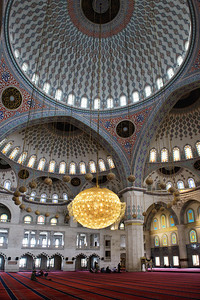 Kocatepe Mosque: Because of their domed architecture, there is a huge space inside for worshippers.