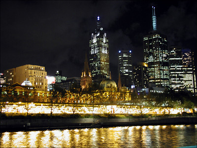 From Southbank looking toward the city of Melbourne. I think of Melbourne as the San Francisco of Australia. A financial center. Plenty of good restaurants and entertainment. Clean and safe. A bit off the beaten path. Probably a good place to live.