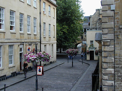 Bath is a clean, well kept town. People take obvious pride in the impression it makes on visitors. Even on this gray day, it is inviting.