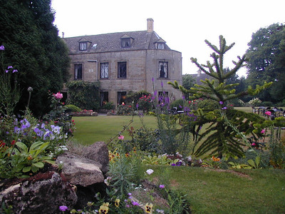 Here a manor house.