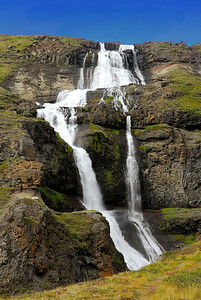 Road to Seydisfjordur: Further along the road another great waterfall. I find I can't get enough of them. They are wearing thinner for Nancy.