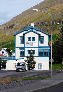 Seydisfjordur: Our hotel.