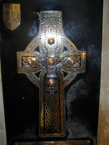 The interior of St. Patrick's is richly decorated. Here a Celtic cross. Click on the photo to the left, as usual, to expand it. The Celtic designs are most interesting.