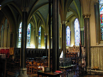 The sweeping vaulted ceilings have very clean lines. They give the cathedral a peaceful atmosphere.