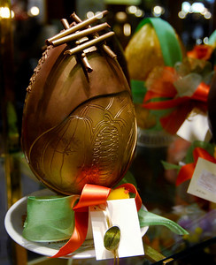 Windows: At Easter, it is traditional for Italians to give a gift (not gifts like at Christmas, but a gift). Often it is a richly decorated chocolate egg. This one was about a foot tall and cost around €100.