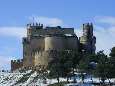 The castle, named Castillo de los Mendoza, is quite small, easy to walk around in 3 to 5 minutes. Perched on a hill, it looks formidable and difficult to storm, but the military trappings are mostly for show. It was never used for military purposes.