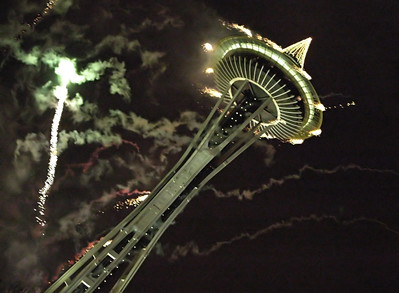I like the illusion that the Space Needle is falling over, here. No national landmarks were harmed in the filming of this pictures.