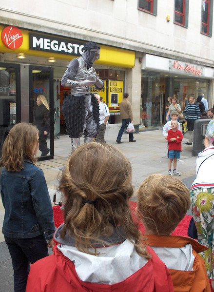 Street performer, Oxford, England.