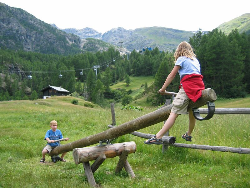 A playground along the trail near Furri.