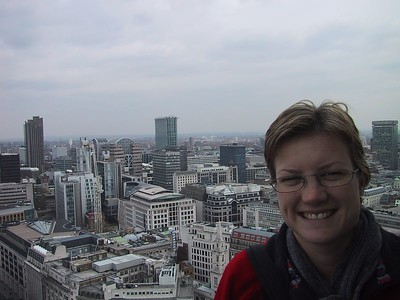 D0018.JPG - 17/04/01 12:23pm   Ange at the top of St Paul's Cathedral.