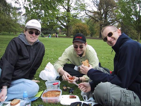 D0036.JPG - 07/05/01 1:30pm   Michelle, Matt and Craig enjoying some of Matt's damper in Kew Gardens.