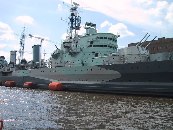 D0110.JPG - 09/06/01 10:20am   HMS Belfast.