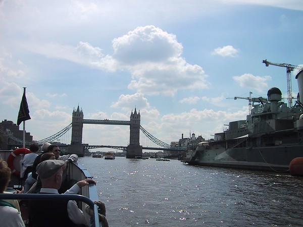 D0111.JPG - 09/06/01 10:21am   HMS Belfast with Tower Bridge in background.