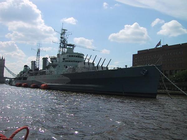 D0109.JPG - 09/06/01 10:20am   HMS Belfast.