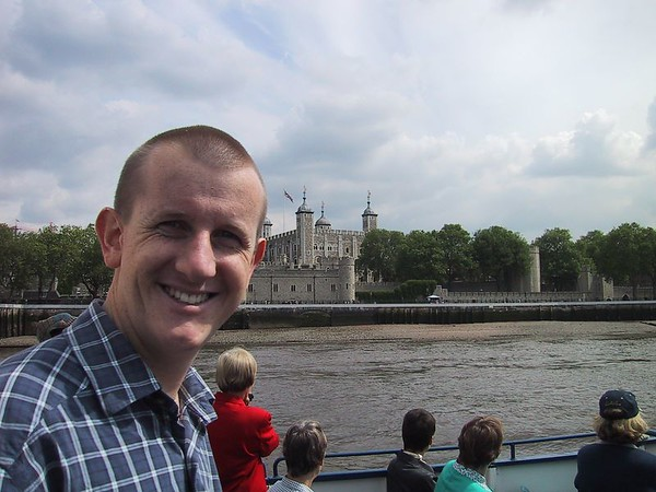D0114.JPG - 09/06/01 10:22am   Craig in front of the Tower of London.