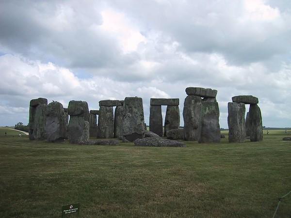 2001/06 - Stonehenge
