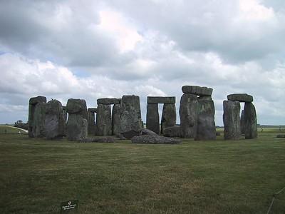 D0149.JPG - 15/06/01 4:34pm   Stonehenge looking south.