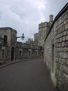 D0133.JPG - 15/06/01 11:13am   Inside the walls of Windsor Castle.
