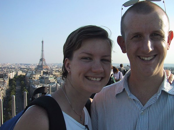 D0239.JPG - 24/08/01 5:53pm   Self portrait from the top of the Arc de Triomphe looking back towards the Eiffel Tower.
