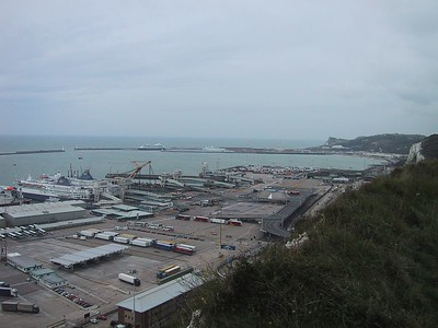 D0307.JPG - 30/09/01 12:42pm   Dover itself is a pretty boring town. Really just a big port. Very busy as you can see.