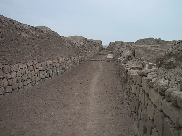 D0486   Pachacamac ruins...this is where the commoners walked...the 'more important' people in society walked up on the wall on the left.