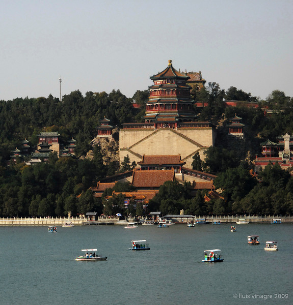 pavillion of the fragrance of the buddha (foxiang ge) on longevity hill