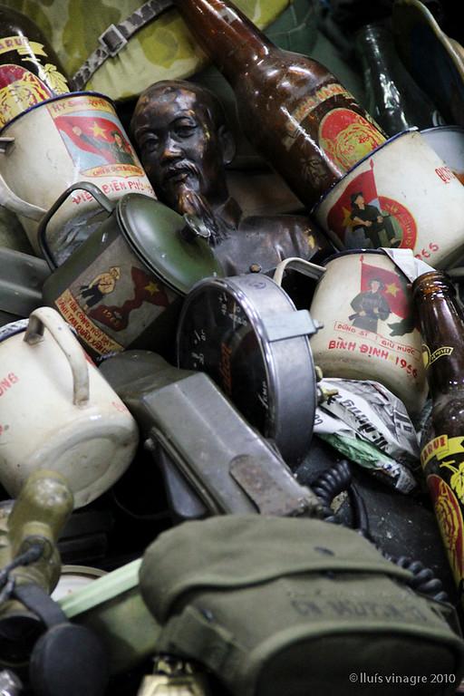 dan sinh market (war surplus market)