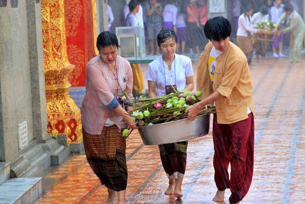 Wat Phrathat Doi Suthep in downpour