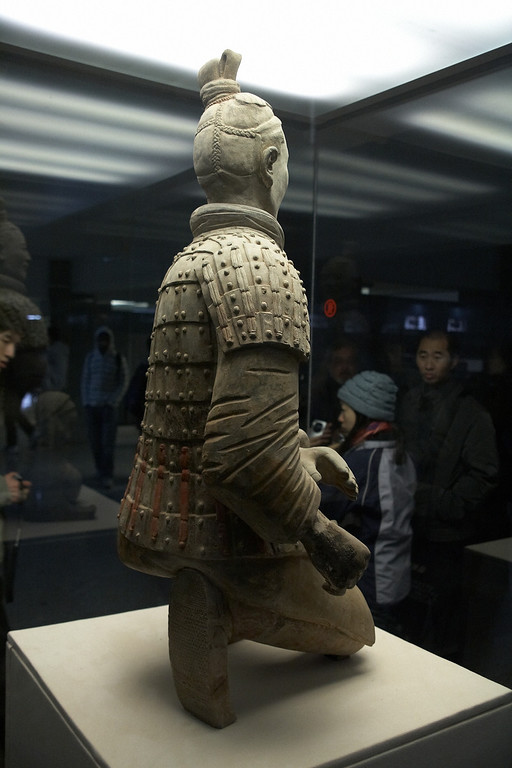 The same archer from the rear. All warriors are unique in their own ways, maybe the hair, the expression, the uniform etc. Can you see the tread of his shoes?