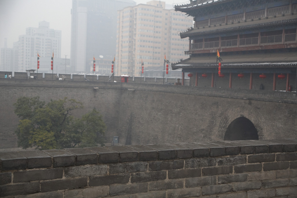 According to a tour guide, this tree inside of the courtyard has special meaning. Wood in a square (困), in Chinese writing, means stuck or trap. This picture doesn't show the entire courtyard. It is completely enclosed with two gates on opposite walls. When the enemy breaks through the first gate, the Xi'an soldiers let some of the enemy through before sealing off the first gate. The enemy is then trapped inside the courtyard.