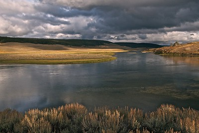 Yellowstone River - Hayden Valley - Yellowstone National Park
