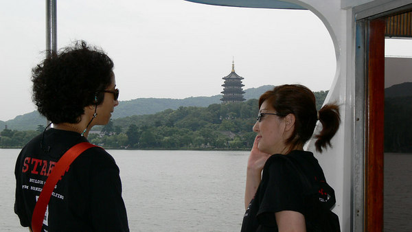 The West Lake, Hangzhou - pictures with people