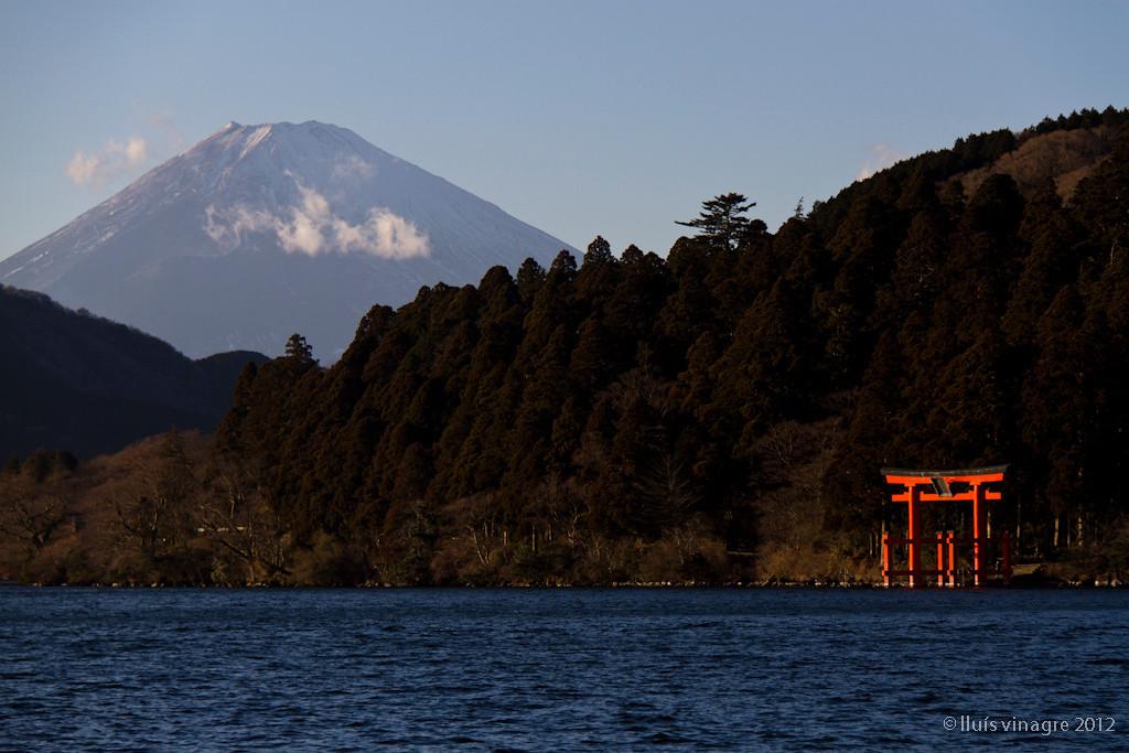 monte fuji, templo de hakone y lago ashi, moto-hakone / 元箱根、富士山と箱根神社と芦ノ湖
