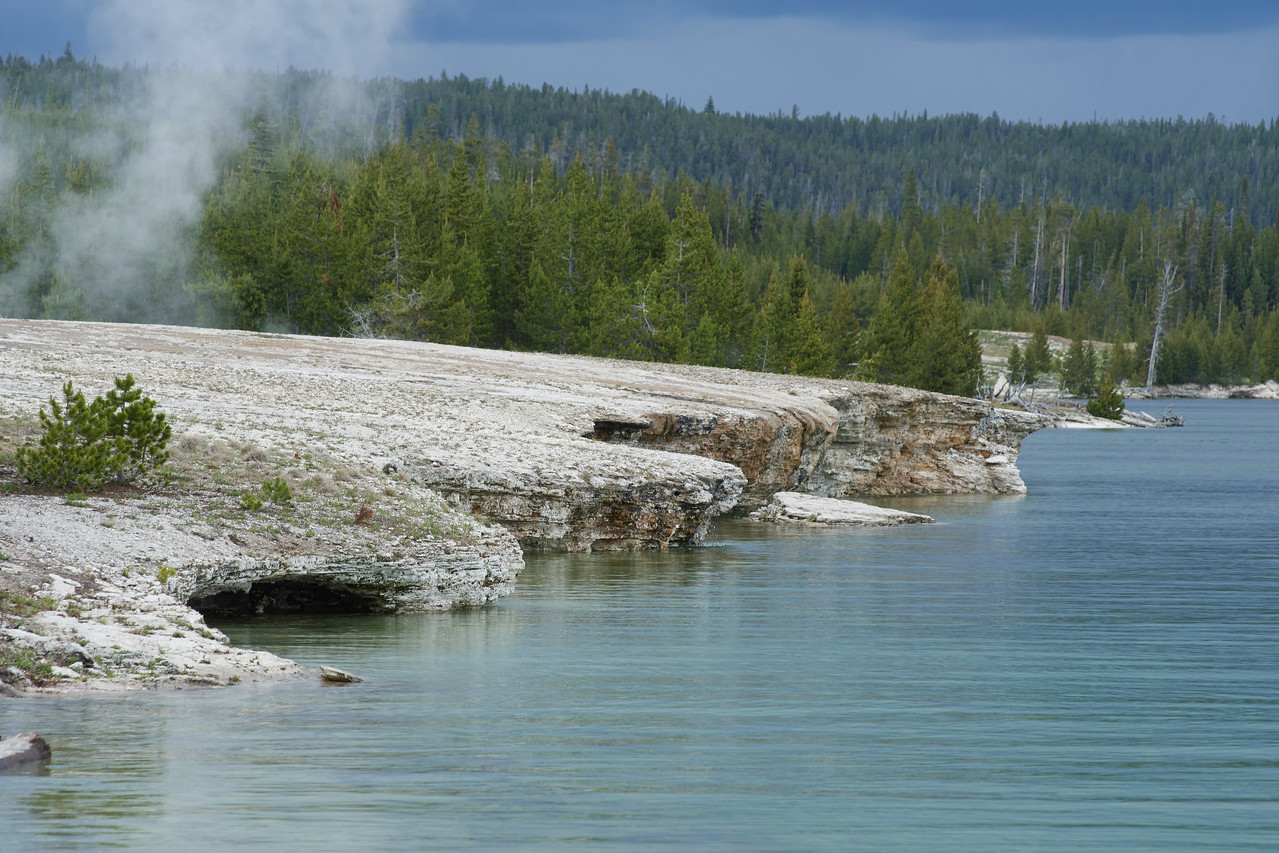 Central Basin meets Yellowstone Lake, West Thumb Geyser Basin