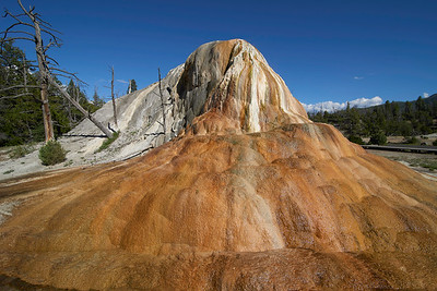 Orange Spring Mound, Upper Terraces of Mammoth Hot Springs