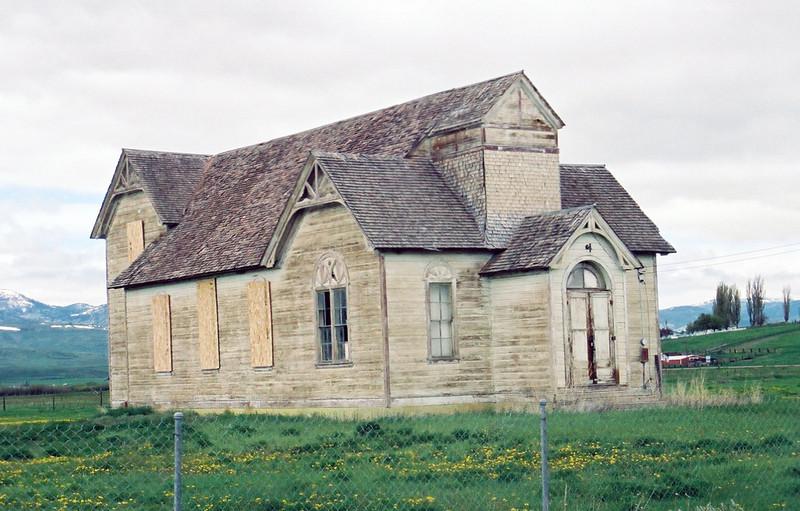 Paris, Idaho - deserted building, no idea what it was but it sure looks like a church.