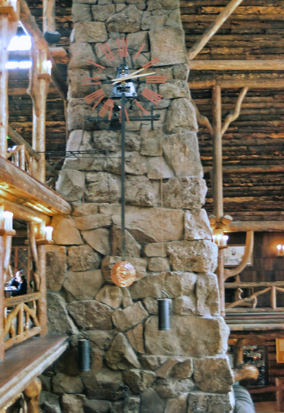 Old Faithful Inn, clock