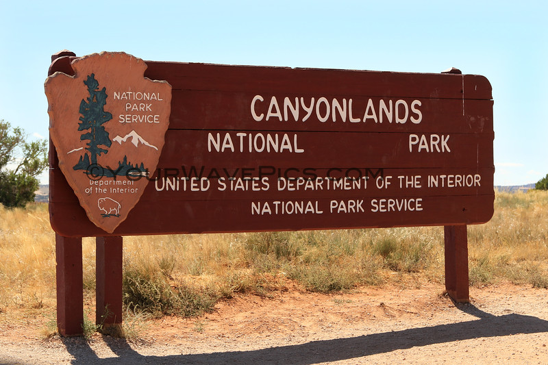 2019-09-18_1073_Utah_Canyonlands Sign.JPG