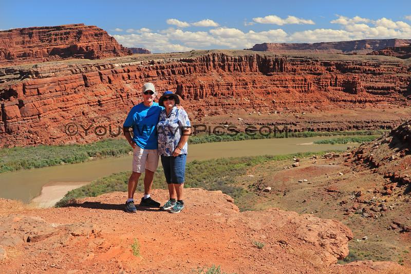 2019-09-18_1089_Utah_Canyonlands_Shafer Trail_Gooseneck_Tony_Diane.JPG