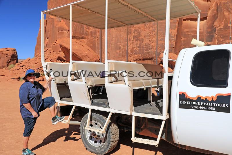 2019-09-20_1218_Utah_Monument Valley_Tour Jeep_Diane.JPG