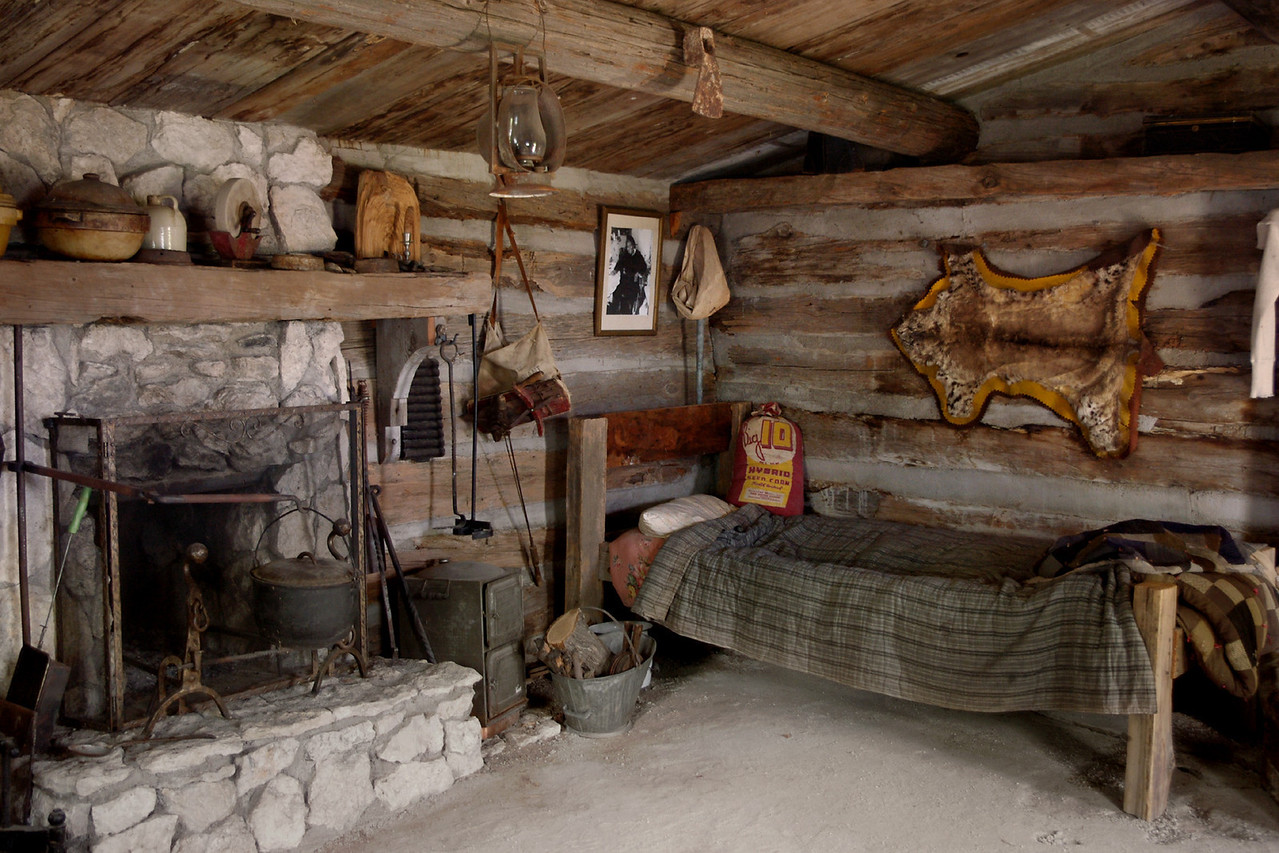 Bed, log cabin, Dobby's Frontier Town near Alliance, Nebraska.