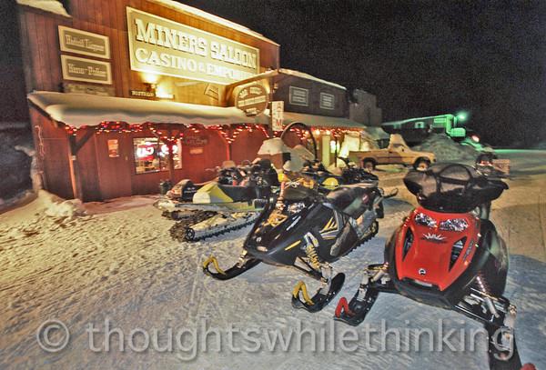 091 Yellowstone2006 Day4 Jan24 rush hour Cooke City