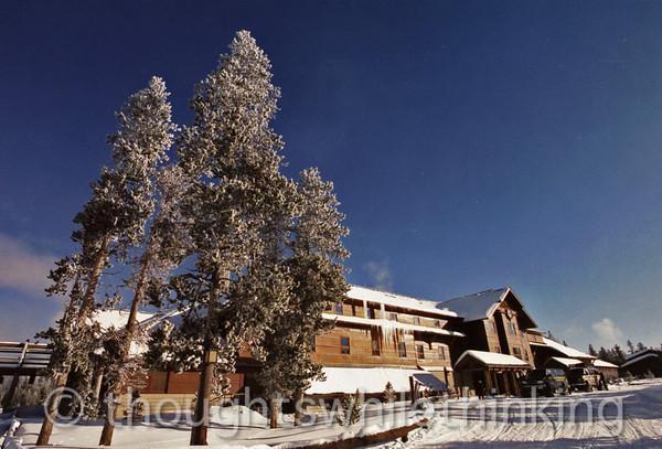 045 Yellowstone2006 Day3 Jan23 Old Faithful Snow Lodge