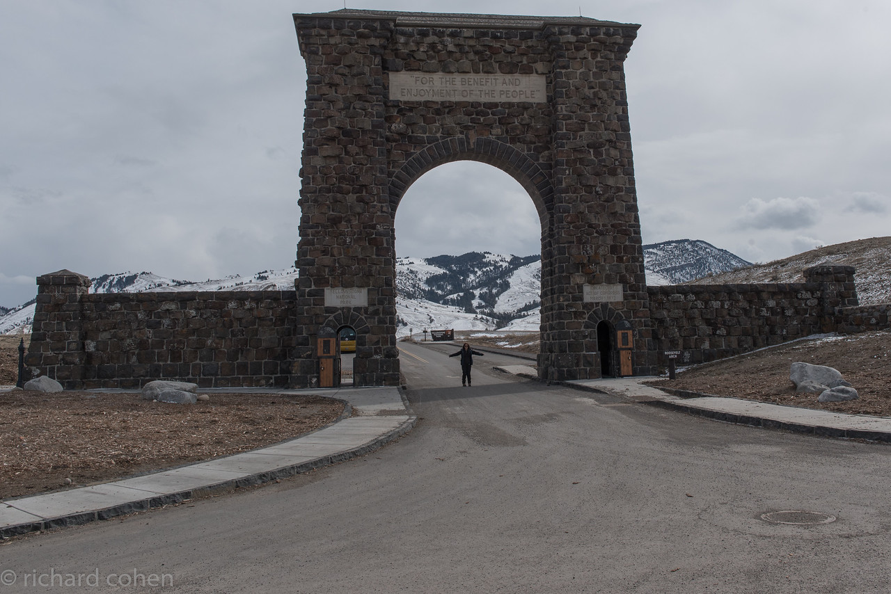Lisa in front of the Roosevelt gate, the official northeast entrance to Yellowstone NP. It was a great trip!