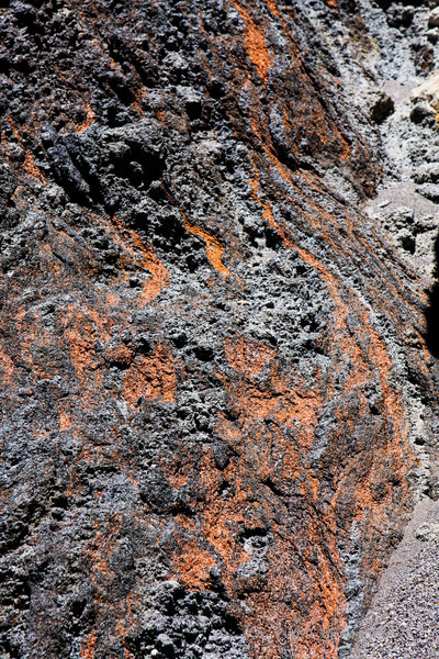 Evidence of a 590,000 year old Canyon Rhyolite lava flow.