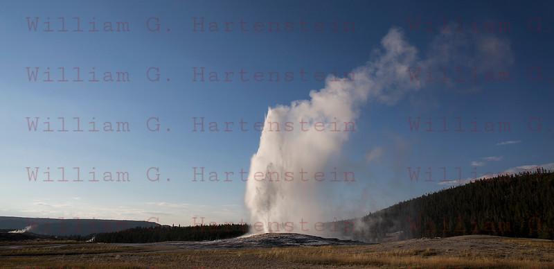 Old Faithful Gyser, Yellowstone, WY 08-16-2017