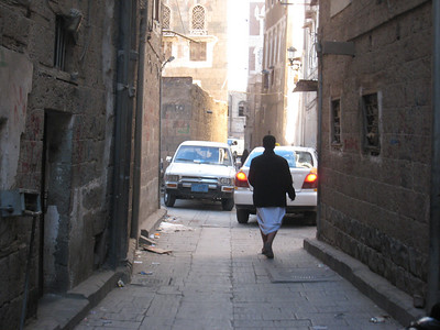 All the streets of the old town are very narrow.
