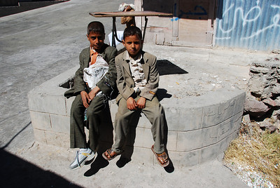 Local boys outside the roadside shed that sold sweet, hot Yemeni tea.