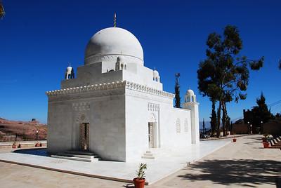 The shrine at Al Hutayb.  Beautiful silver doors.