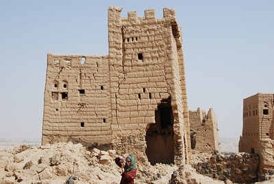 One of the buildings in old Ma'rib showing the damage from artillery shelling.